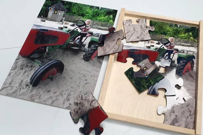 Houten puzzel met houten doos